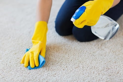using-glass-cleaner